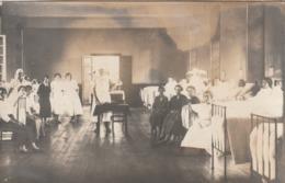 Rare Carte Photo  Infirmières Dans Salle Hôpital Pour Femmes - Métiers