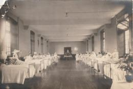 Rare  Photo  Infirmières Dans Salle Hôpital Pour Femmes  Format 17 X 11.5 Cm - Mestieri