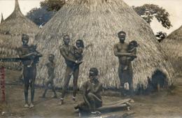 Homme, Femmes, Enfants, Famille Et Architecture Ngbugu (Boubous)Cliché Auguste Béchaud. Carte Photo D'exceptionnelle. - French Congo - Other