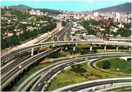 """VENEZUELA - Caracas - Distribuidor De Autopistas """"El Ciempies"""" - 1979 - Venezuela"""