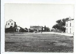 Salin De Giraud  Cpsm Usine Et Place Pechiney - France
