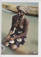 L'Afrique En Couleurs - Jour De Lessive  - N°7026 Cp Vierge (NU) - Cartes Postales
