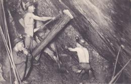 CPA - MINEURS DE COURRIERES - Au Pays Noir - Lot De 3 CPA - Série 818 - Raphaël Tuck) - Mines