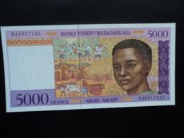 MADAGASCAR : 5000 FRANCS = 1000 ARIARY    ND 1995     P78b     NEUF - Madagascar