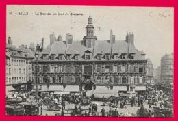 LILLE  --  La Bourse, Un Jour De Braderie - Lille
