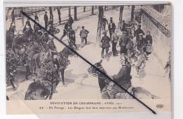 Ay (51) Révolution En Champagne Avril 1911- Un Barrage-Les Dragons Font Faire Demi-tour Aux Manifestants - Ay En Champagne