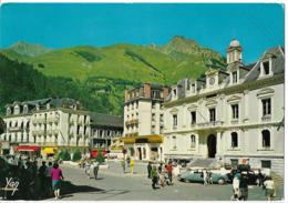 CAUTERETS - Place De La Mairie - Voiture : Citroen DS - Cauterets