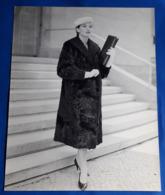 Vintage MODE/FASHION MODEL Photo, Ca. 23 X 29,5 Cm, Portrait Einer Hübschen Frau, Jolie Femme, Pretty Woman [19-1464] - Pin-Ups