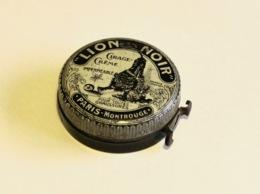 """""""LION NOIR"""" Cirage-crème, Boite Ancienne N°3 (vide), Métal Lithographié. - Boîtes"""