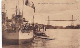 """NANTES - Contre Torpillcur """"ENSEIGNE ROUX"""" Et Sous-marin Au Port - Schiffe"""