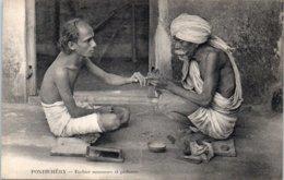 ASIE  - INDE - Pondichéry -- Barbier Manucure Et Pédieure - India