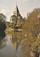 MAREUIL Sur LAY. - L' Eglise Se Reflétant Dans L'eau. Carte Toilée RARE - Mareuil Sur Lay Dissais