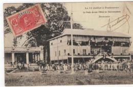 Porto-Novo  Le 14 Juillet à Portonovo 1908   La Foule Devant L'Hôtel Du Gouvernement  DAHOMEY - Benin