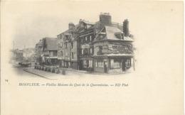 Cpa Honfleur, Vieiles Maisons Et Quai De La Quarantaine, Tabac - Honfleur