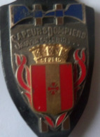 INSIGNE POMPIERS SENLIS - Feuerwehr