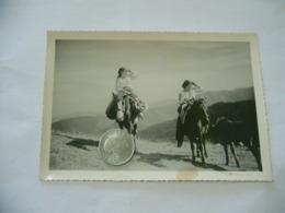 FOTO COSTUME TRADIZIONALE CONTADINO CONTADINA BUCOVINA ROMANIA CM.12X18-36 - Mestieri