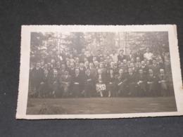 TIHANGE (HUY) -  HOME DES FLORICOTS - 1937  - 11, 5 / 17, 5 Cm - Personnes Identifiées