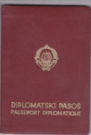 SFRJ  - YUGOSLAVIA  - DIPLOMATIC PASSPPORT  - SON OF YU CONSUL IN TRIESTE, ITALIA  - 1969  - DIPLOMATIC VISA  3 YEAR - Historische Dokumente