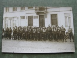 CPA PHOTO MILITAIRES - Militaria