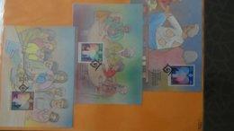 Dispersion D'une Collection D'enveloppe 1er Jour Et Autres Dont 83 NATIONS UNIES De 1994 à 2013 - Colecciones (en álbumes)