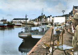 Promenade En Bretagne Artiste Peintre Sur Son Chevalet Dans Un Port à Identifier Les Salangane Et Kan Diskan - Te Identificeren