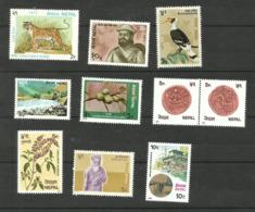 Népal N°292, 316, 319, 334, 339, 354, 355, 363, 367, 371 Neufs** Cote 3.20 Euros - Nepal