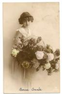 337 - Jolie Fillette Portant Un Panier De Fleurs - Portraits