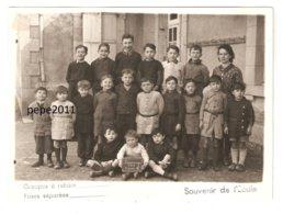 Photo De Classe 18 Cher PREVERANGES Classe Des Garçons En 1946 - Elèves - Institutrice - Format 13 X 18 Cm - Photos