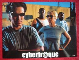 6 Photos Du Film Cybertraque (2000) - Albums & Collections