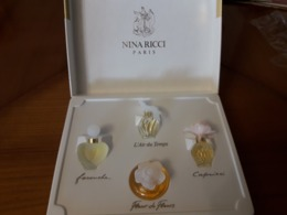 Coffret NINA RICCI Contenant 4 Jolies Miniatures Pleines - Oude Miniaturen (tot 1960)
