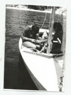 Men In The Boat A471-253 - Personnes Anonymes