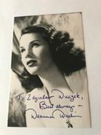 Deanna Durbin Actress Photo Autograph Hand Signed 10x15 Cm - Dédicacées