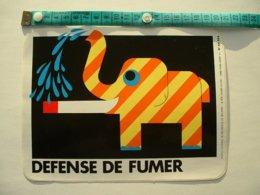 AUTOCOLLANT DEFENSE DE FUMER - ELEPHANT - Aufkleber