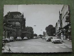 ARLON - PLACE DE LA GARE ( Ford Taunus, Morris Minor, Peugeot 403, Opel Record, Citroën DS, VW Cox... ) - Arlon