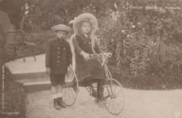 CPA ROUMANIE ROMANIA Principii NICOLAE Si MARIOARA Vélo Bicyclette Tricycle Cycling Radsport (2 Scans) - Roumanie