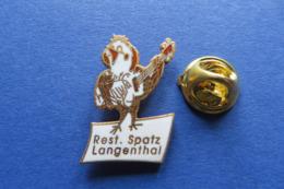 Pin's,Restaurant SPATZ,PIAF,oiseau,gitarre,Langenthal Suisse - Pin's