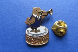 Pin's,DORFSPATZEN,PIAF,oiseau,trompette,Oberägeri, Suisse - Pin's & Anstecknadeln