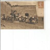 17-LE CHATEAU D OLERON LES PECHEURS ATTENDENT LA BASSE MER - Ile D'Oléron