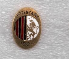 S.C. Potenza Calcio Rossoblu Distintivi FootBall Soccer Pins Spilla Italy Ufficiale - Calcio