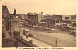 Blankenberghe - Blankenberge - La Gare Et La Place - Statie En Plein (animatie, Oldtimer Bus Coach 1938) - Blankenberge