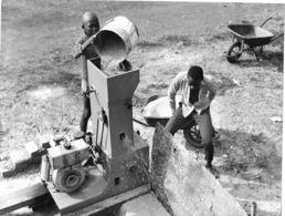 Photo R. Centrafricaine. Sibut Décorticage Du Riz 1980  Photo Vivant Univers - Africa