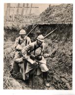 """MILITARIA . """" DANS LES TRANCHÉES . TRANSPORT D'UN BLESSÉ """" . FICHE HISTOIRE 1914/1918 - Réf. N°23083 - - Historia"""