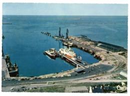 CPSM   50    CHERBOURG      VUE AERIENNE          LE CAR FERRY A QUAI - Cherbourg