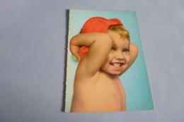 Jeune Enfant Souriant - Portraits