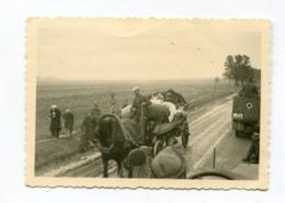 Photo Originale  Format : 89*63 Mm Photo Soldats Allemands Halftrack Et Débacle ( Pologne ) 1939  A VOIR  !!! - Guerre, Militaire