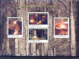 INDIE   (AZI 272)   -GROTTEN - Geologie