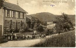 CPA 88 Vosges BELMONT Sur BUTTANT Ecole Primaire Mairie Animée - Other Municipalities