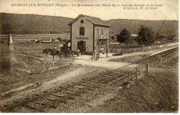 CPA 88 Vosges BELMONT Sur BUTTANT Le Monument Aux Morts De La Grande Guerre Et La Gare - Other Municipalities