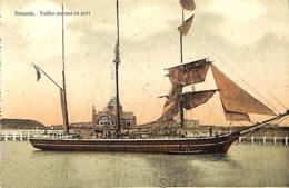 Oostende - Ostende - Voilier Entrant Dans Le Port (colorisée) - Oostende