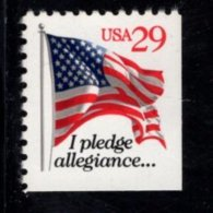 859582285 SCOTT 2594 POSTFRIS MINT NEVER HINGED EINWANDFREI (XX) - FLAG RIGHT AND UNDER IMPERFORATED - Ungebraucht